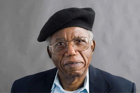 Chinua Achebe 1930-2013